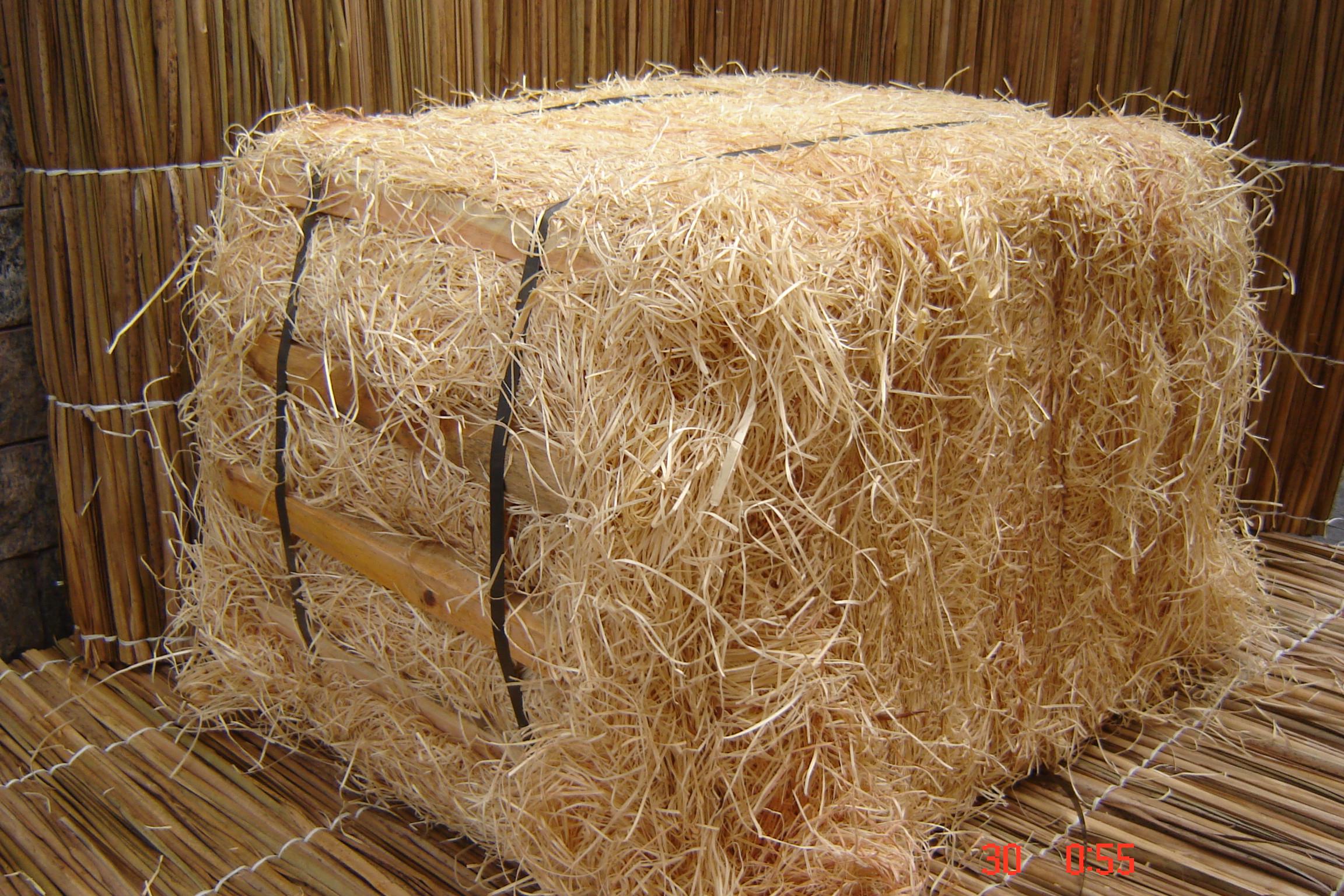 Fardo de Palha de Madeira natural 23 KG em média Disponível em 29 outubro