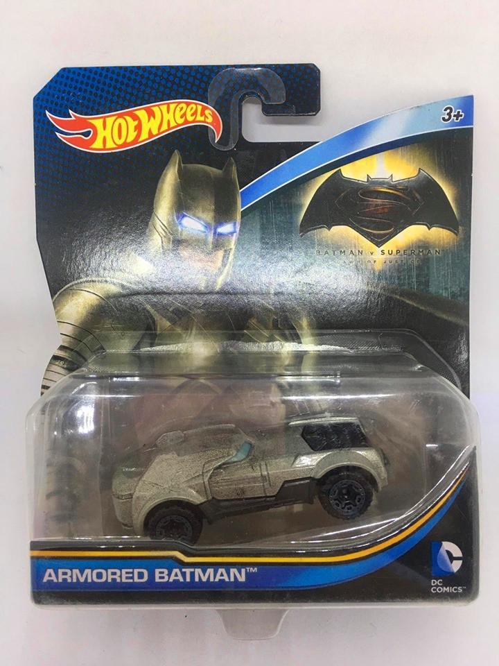 Hot Wheels - Armored Batman Cinza - Batman v Superman Dawn Of Justice