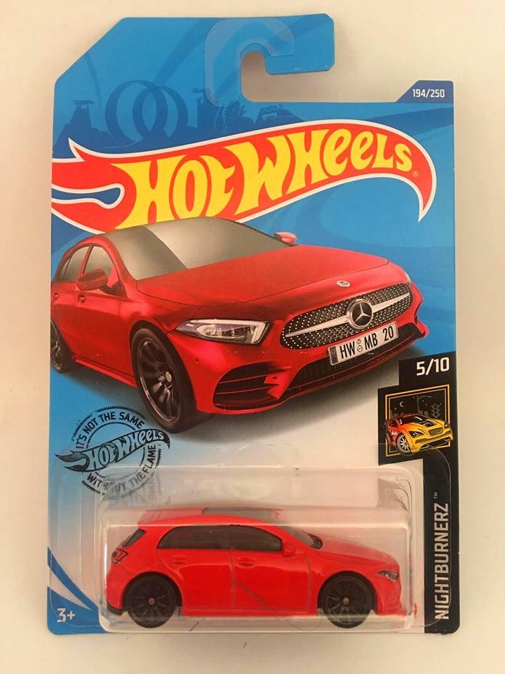 Hot Wheels - 19 Mercedes-Benz A-Class Vermelho - Mainline 2020