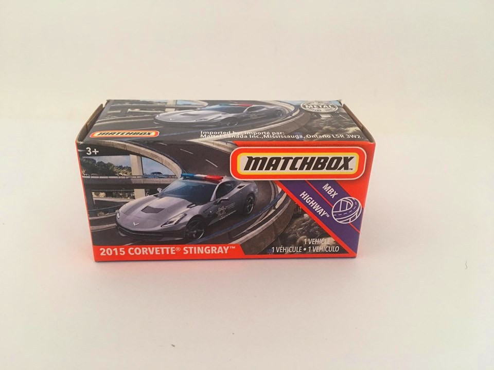Matchbox - 2015 Corvette Stingray Cinza - Power Grabs - Básico 2020