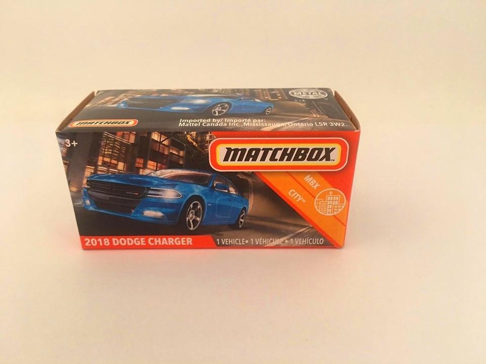 Matchbox - 2018 Dodge Charger Azul - Power Grabs - Básico 2020