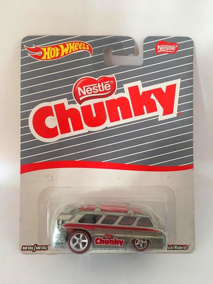 Hot Wheels - Custom Chevy Greenbrier Sports Wagon  Cinza - Nestle - Chunky
