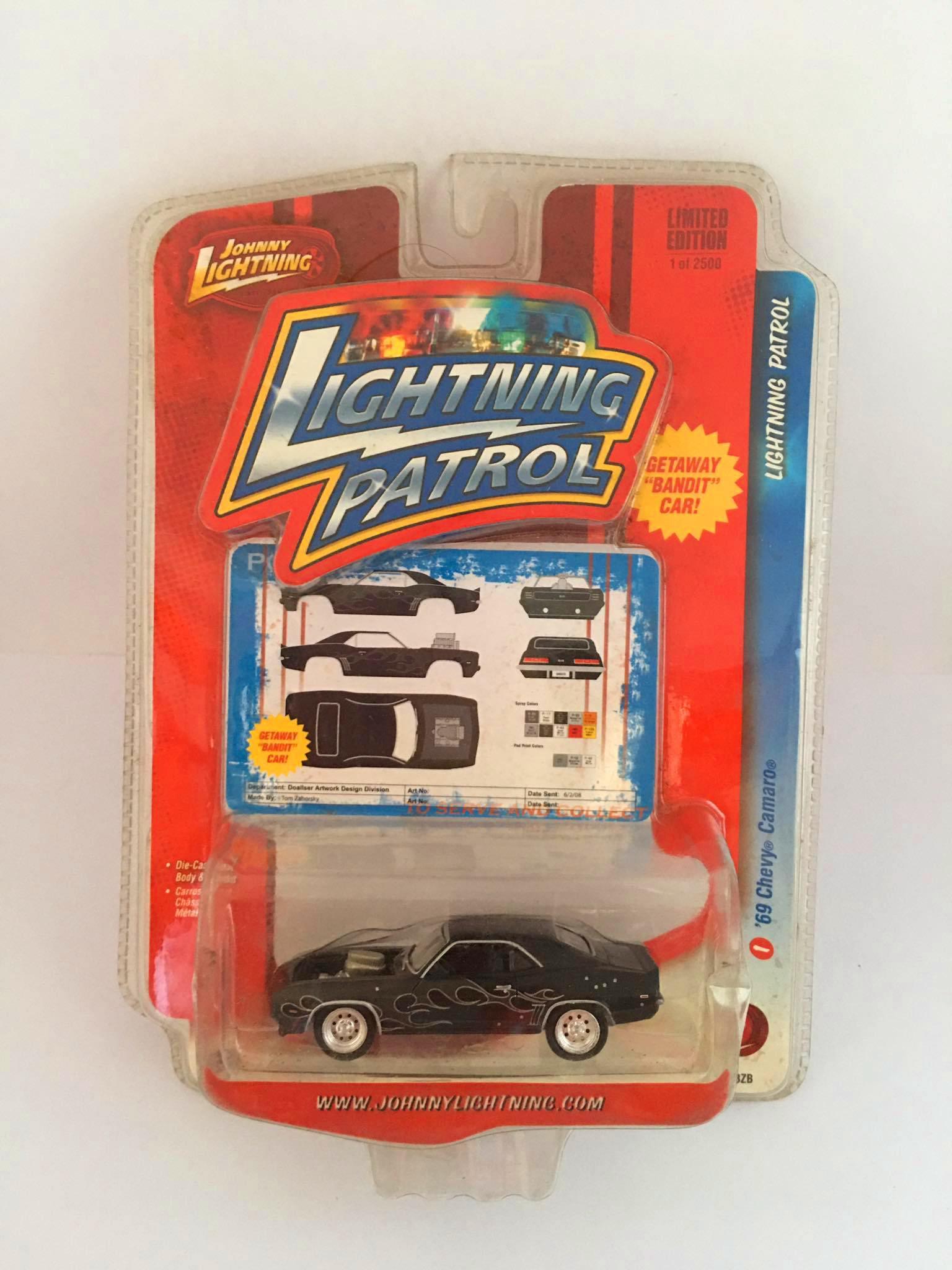 Johnny Lightning - 69 Chevy Camaro Preto - Lightning Patrol