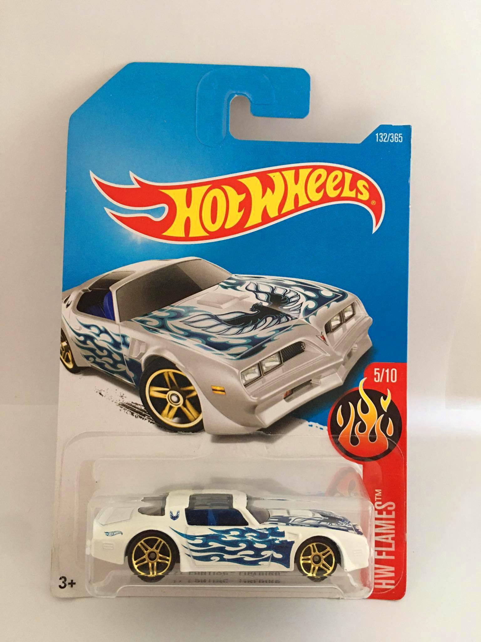 Hot Wheels - 77 Pontiac Firebird Branco - Mainline 2017