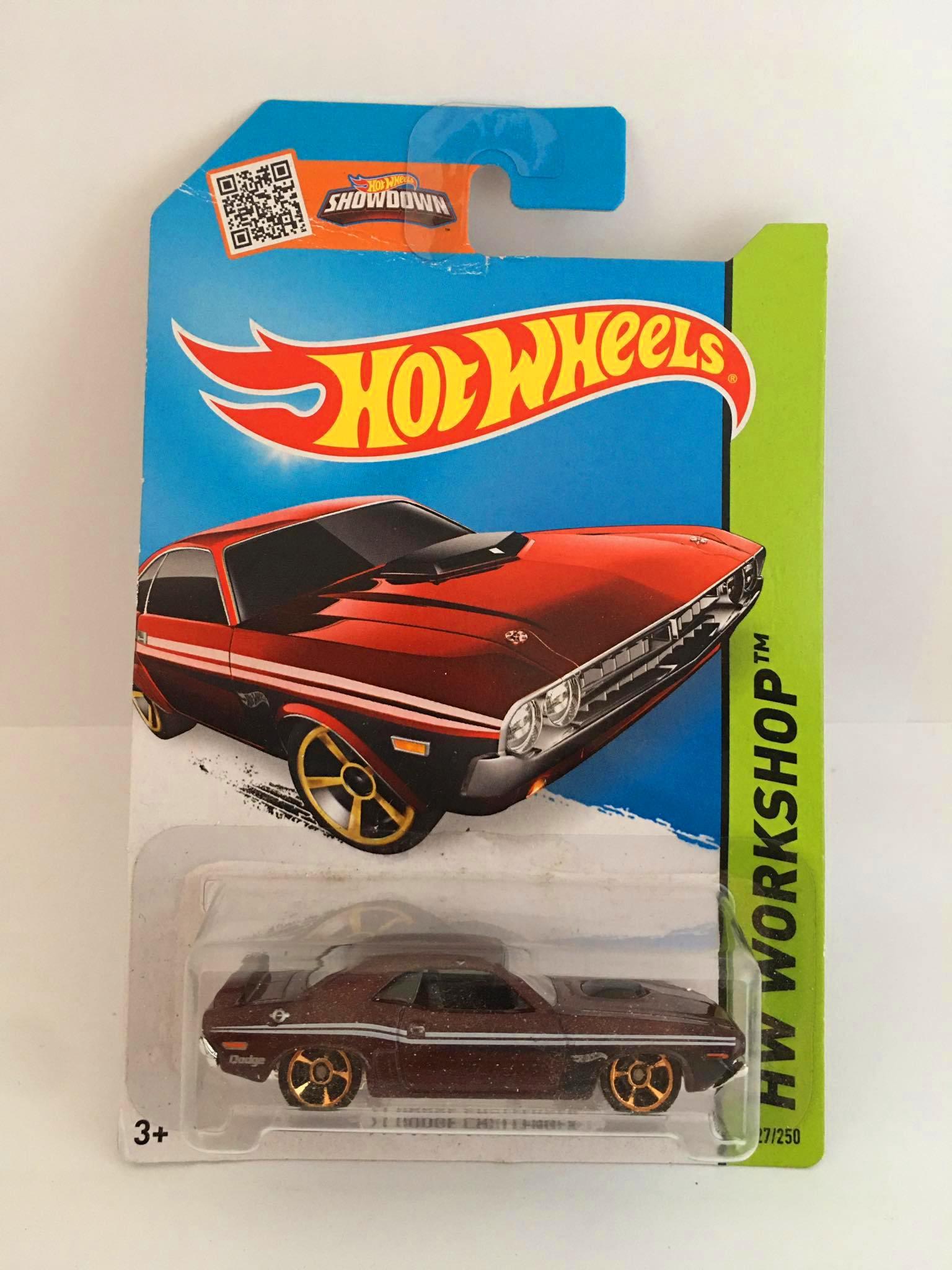 Hot Wheels - 71 Dodge Challenger Vermelho - Mainline 2014