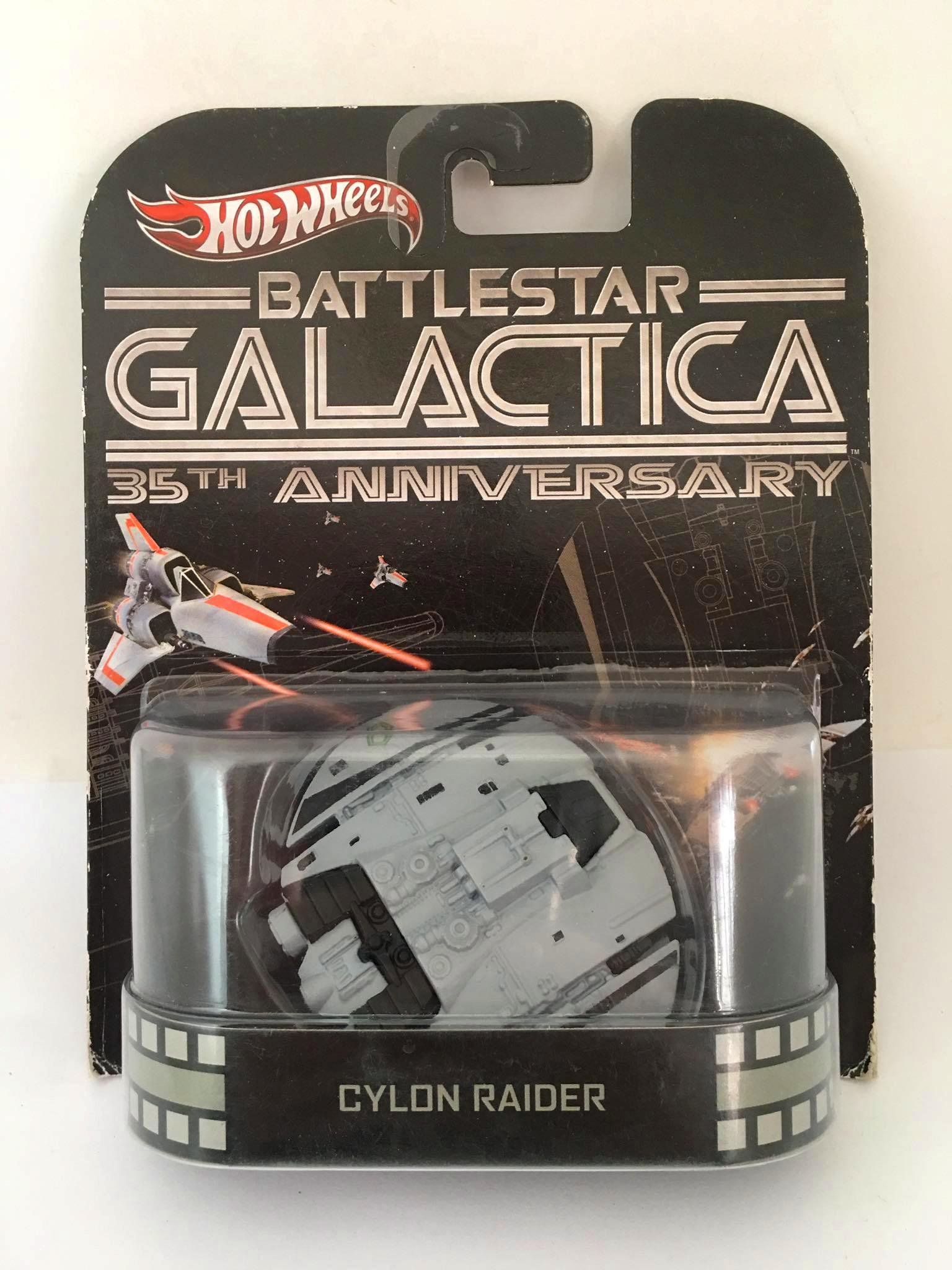 Hot Wheels - Cylon Raider - Battlestar Gallactica - 35th Anniversary - Leia Descrição