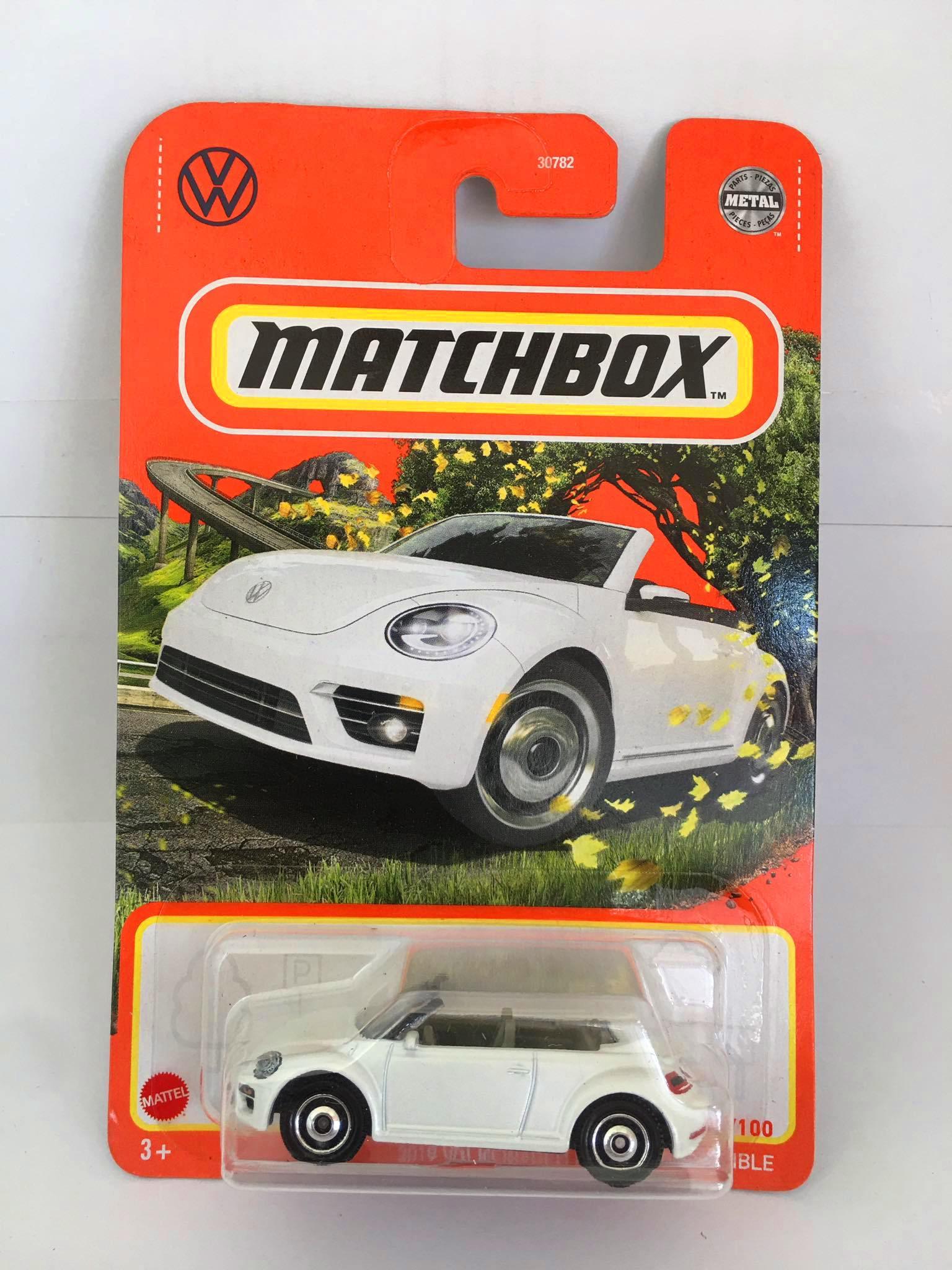 Matchbox - 2019 Volkswagen Beetle Convertible Branco - Básico 2021
