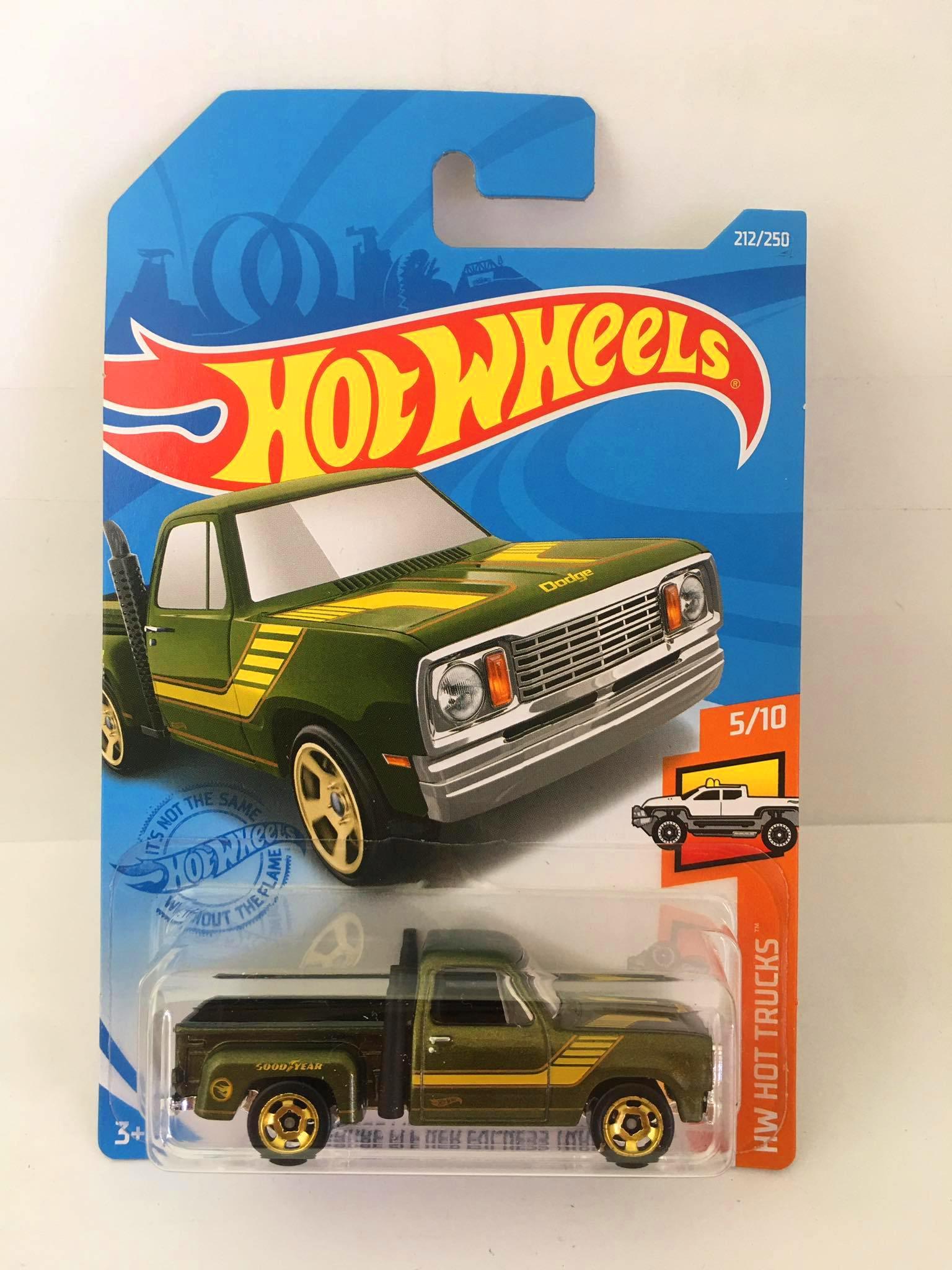 Hot Wheels - 1978 Dodge LI'T Red Express Truck Verde - Mainline 2021