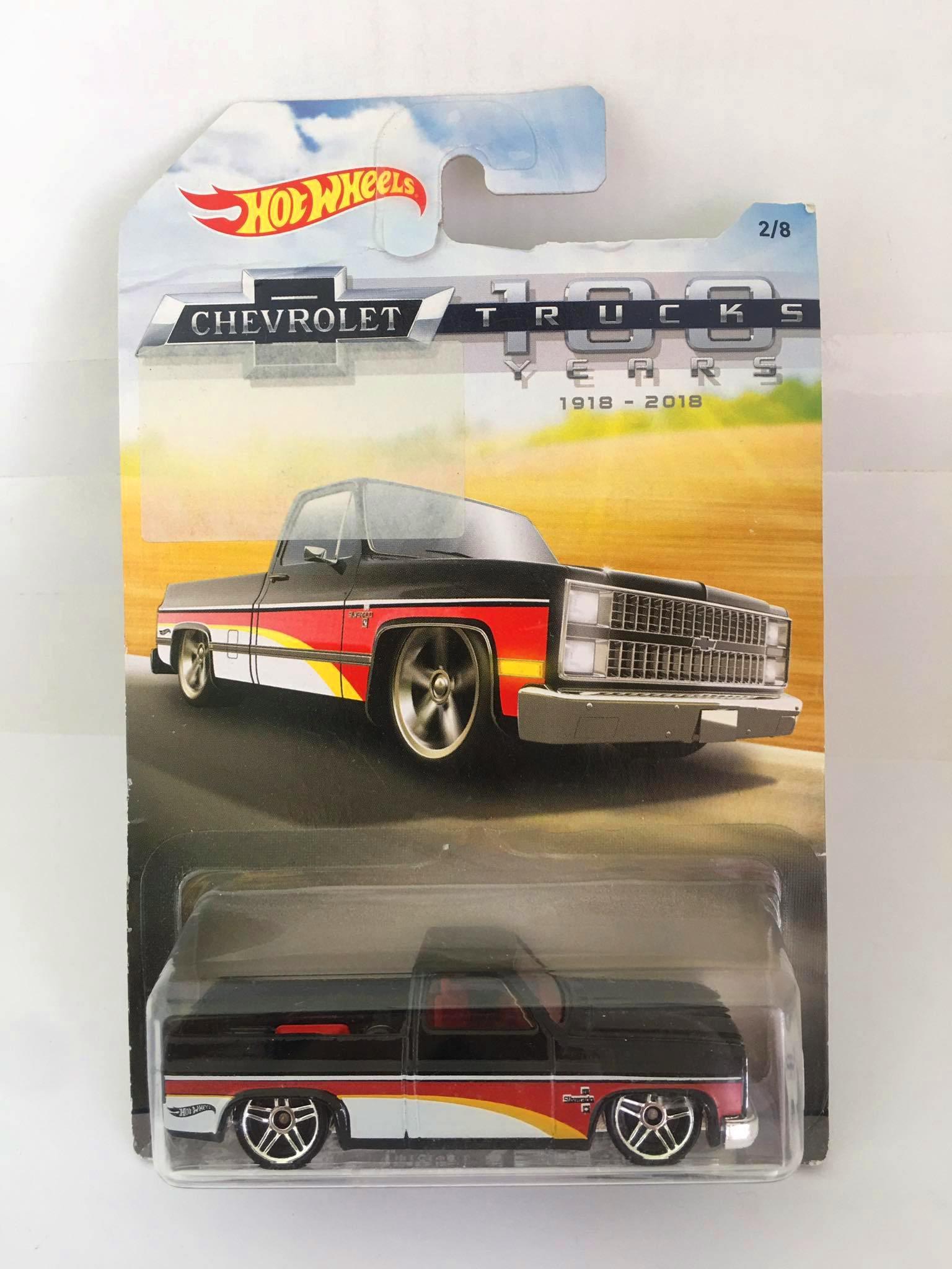 Hot Wheels - 83 Chevy Silverado Preto - Chevrolet / 100 Trucks Years - Walmart Exclusivo - Leia Descrição