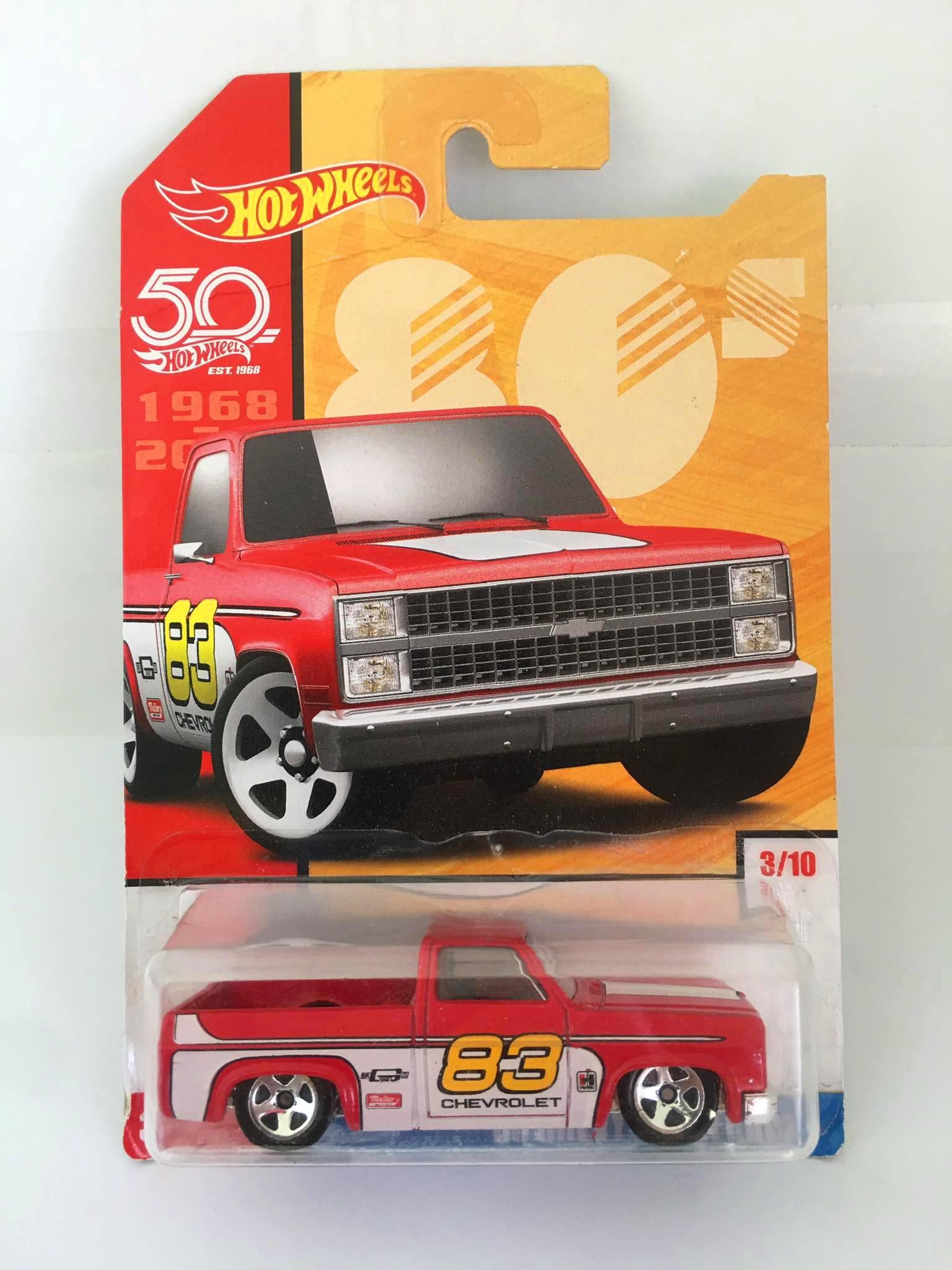 Hot Wheels - 83 Chevy Silverado Vermelho - Throwback 80s - Decades - Leia Descrição