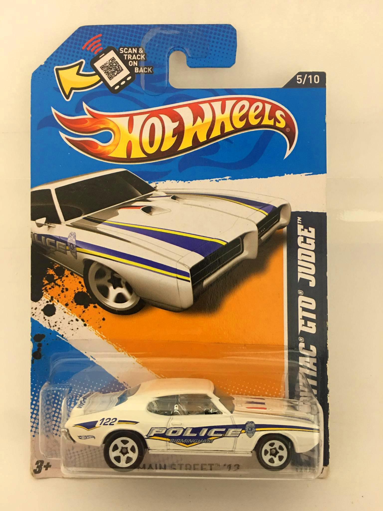 Hot Wheels - 69 Pontiac Gto Judge Branco Police - Mainline 2012