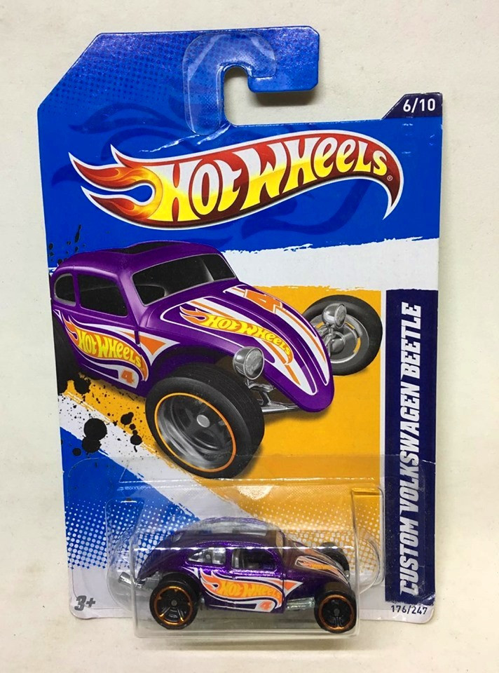 Hot Wheels - Custom Volkswagen Beetle Roxo - Mainline 2012