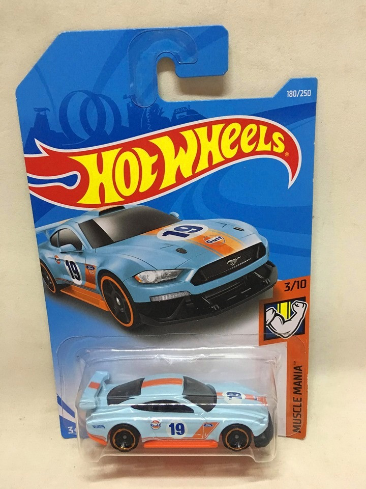Hot Wheels - Custom 18 Ford Mustang GT Azul - Mainline 2019