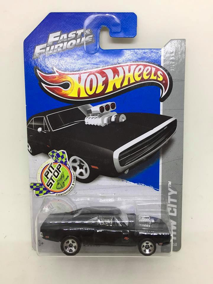 Hot Wheels - 70 Dodge Charger R/T Preto - Mainline 2013