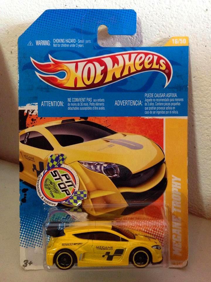 Hot Wheels - Megane Trophy Amarelo - Mainline 2011