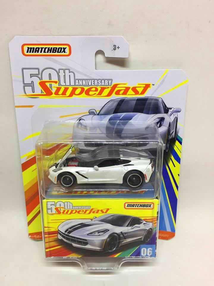 Matchbox - 16 Corvette Stingray Branco - Superfast -  50th Anniversary