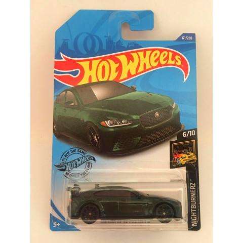 Hot Wheels - Jaguar XE SV Project 8 Verde - Mainline 2020