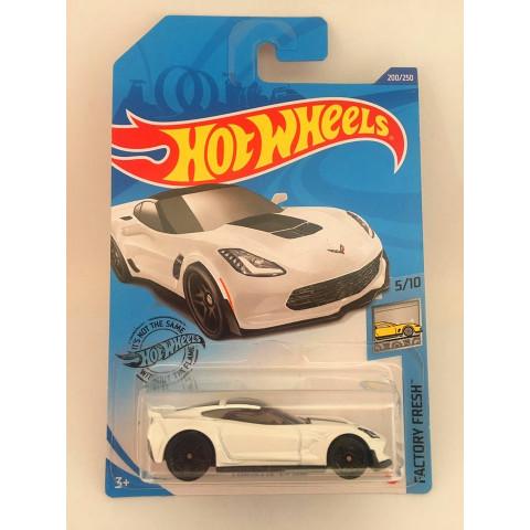Hot Wheels - Corvette C7 Z06 Branco - Mainline 2020