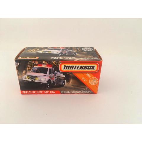 Matchbox - Freightliner M2 106 Branco - Power Grabs - Básico 2020