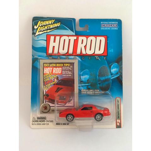 Johnny Lightning - 1982 Chevy Camaro vermelho - Hot Tod Magazine