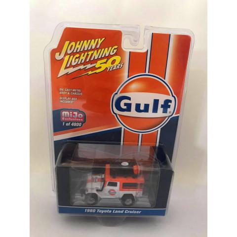 Johnny Lightning - 1980 Toyota Land Cruiser Branco/Laranja - Gulf - 50 Years