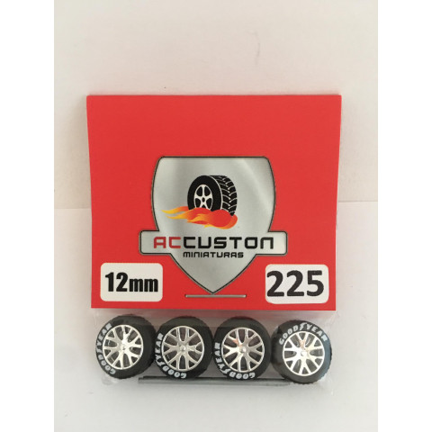 Jogo de Rodas e Eixo para Customização 225 Diâmetro de 12mm Na Cor Prata Pneus Pretos Goodyear