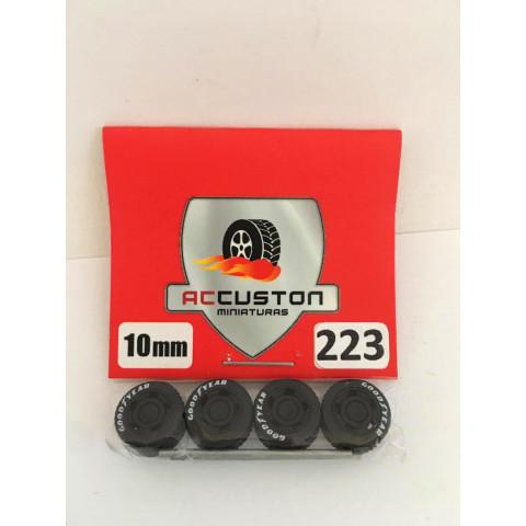 Jogo de Rodas e Eixo para Customização 223 Diâmetro de 10mm Na Cor Preto Pneus Pretos Goodyear
