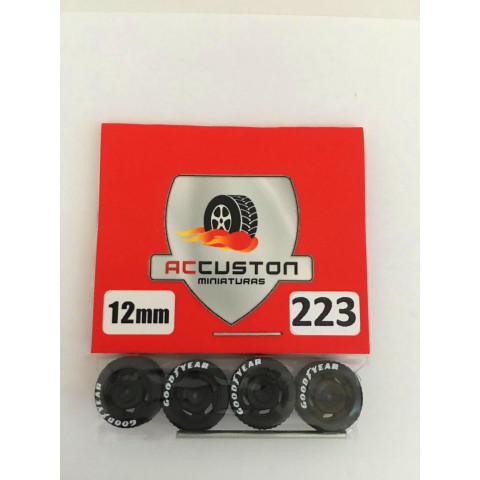 Jogo de Rodas e Eixo para Customização 223 Diâmetro de 12mm Na Cor Preto Pneus Pretos Goodyear