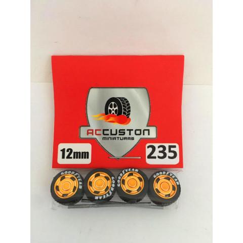 Jogo de Rodas e Eixo para Customização 235 Diâmetro de 12mm Na Cor Dourado Pneus Pretos Goodyear