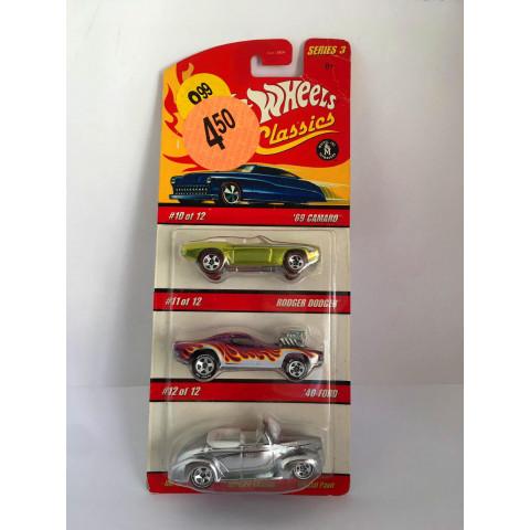 Hot Wheels - Set com 3 Miniaturas - 69 Camaro/ Rodger Dodger/ 40 Ford - Classics