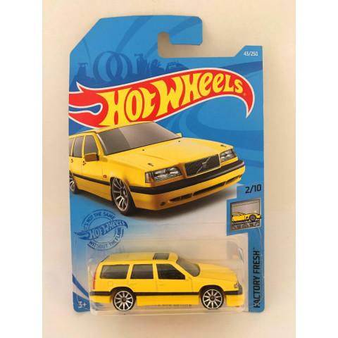 Hot Wheels - Volvo 850 Estate Amarelo - Mainline 2021