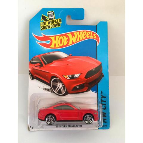Hot Wheels - 2015 Ford Mustang GT Vermelho - Mainline 2014