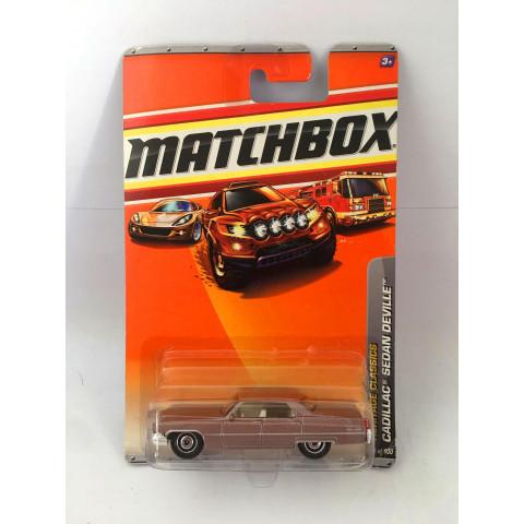 Matchbox - Cadillac Sedan Deville Rose - Básico 2010