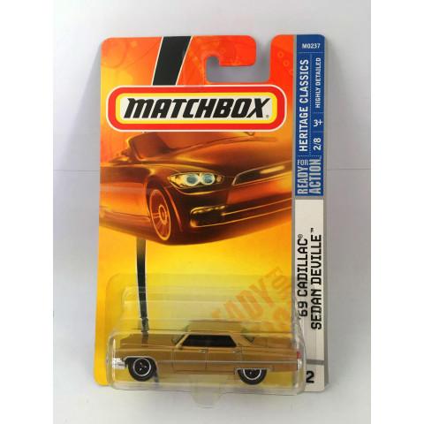 Matchbox - 69 Cadillac Sedan Deville Dourado - Ready for Action