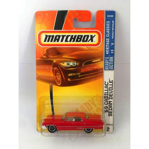 Matchbox - 69 Cadillac Sedan Deville Vermelho - Ready for Action