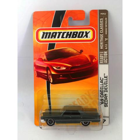 Matchbox - 69 Cadillac Sedan Deville Verde - Ready for Action