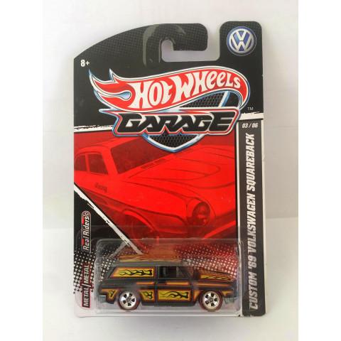 Hot Wheels - Custom 69 Volkswagen Squareback Preto - Garage