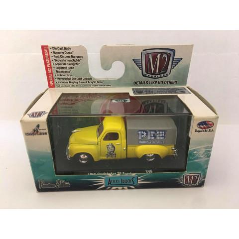 M2 Machines - 1950 Studebaker 2R Truck Amarelo - Auto-Trucks