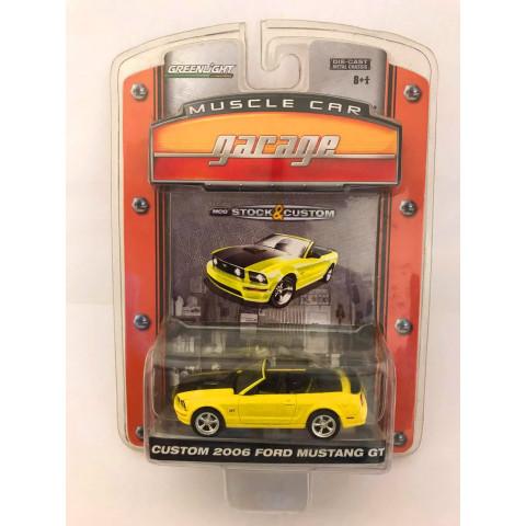 Greenlight - Custom 2006 Ford Mustang GT Amarelo - Muscle Car garage - MCG Stock & Custom