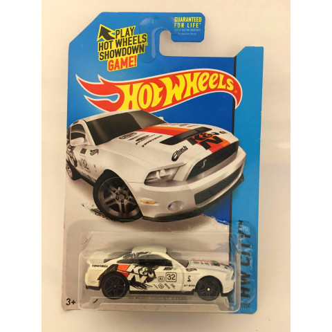 Hot Wheels - 10 Ford Shelby GT500 Branco - Mainline 2014