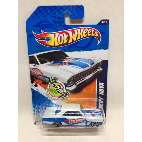 Hot Wheels - 66 Chevy Nova Branco - Mainline 2011