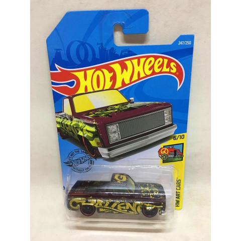 Hot Wheels - 83 Chevy Silverado Roxo - Mainline 2019