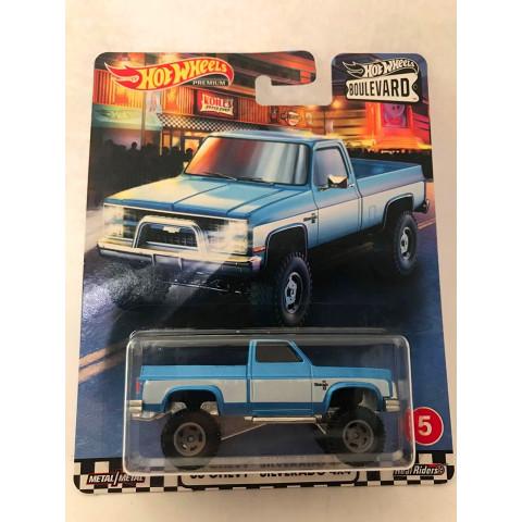 Hot Wheels - 83 Chevy Silverado 4x4 Azul - Boulevard 2020