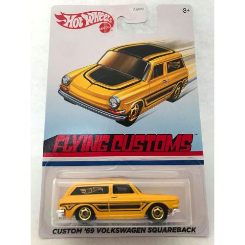 Hot Wheels - Custom 69 Volkswagen Squareback (Variant) Amarelo - Flying Customs
