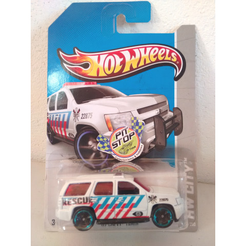 Hot Wheels - 07 Chevy Tahoe Branco - Mainline 2013