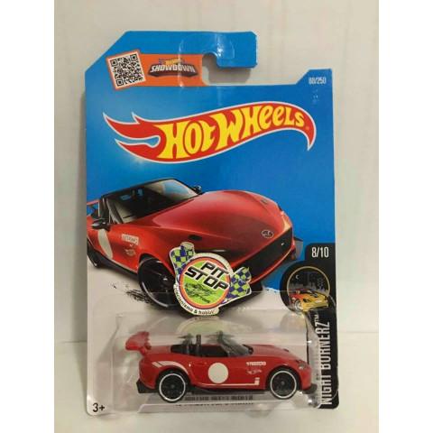 Hot Wheels - 15 Mazda MX-5 Miata Vermelho - Mainline 2016