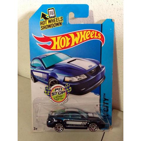 Hot Wheels - 1999 Ford Mustang Azul - Mainline 2014