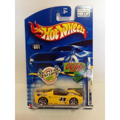 Hot Wheels - 40 Somethin Amarelo - Mainline 2002