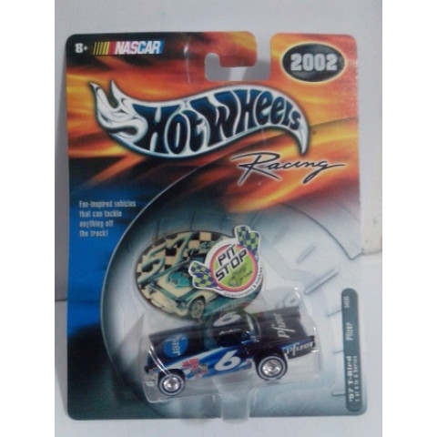Hot Wheels - 57 T-Bird Pfizer - HW Racing - Nascar