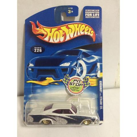 Hot Wheels - 65 Impala Lowrider Branco - Mainline 2001